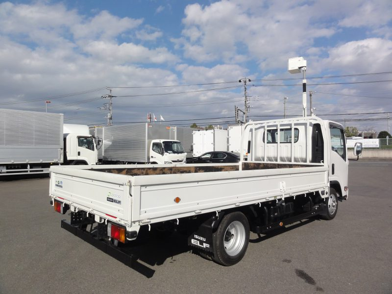 いすゞ 大型トラック 平ボデー(総重量5t以下)ワイド・ロング 画像