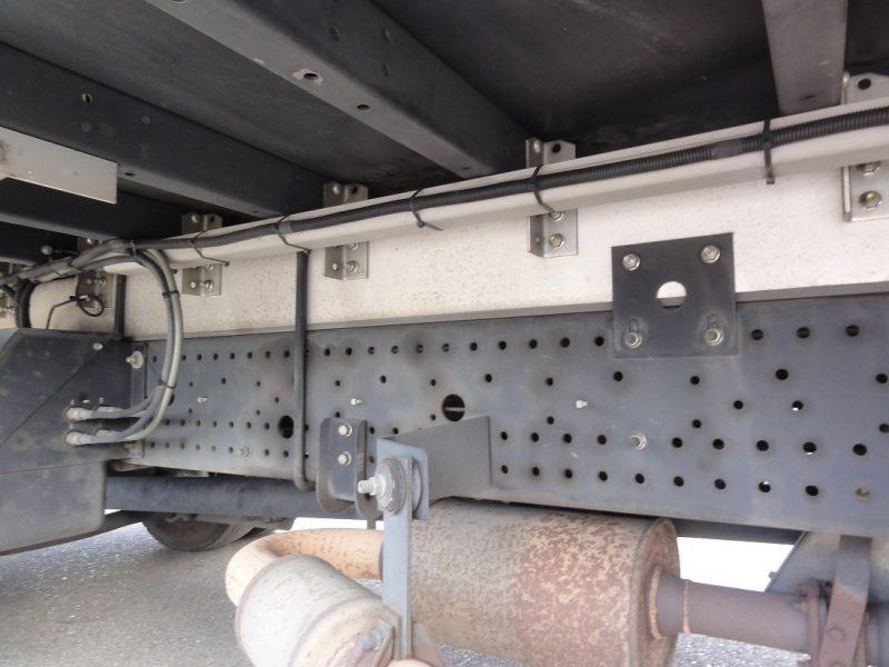 いすゞ 中型トラック ウィングワイドエアサス 画像