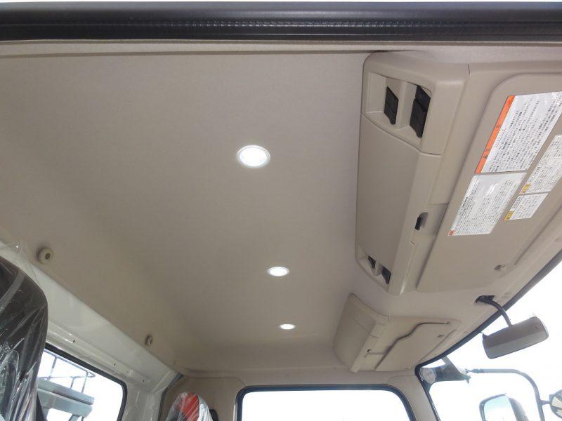 日野 中型トラック アームロール 画像