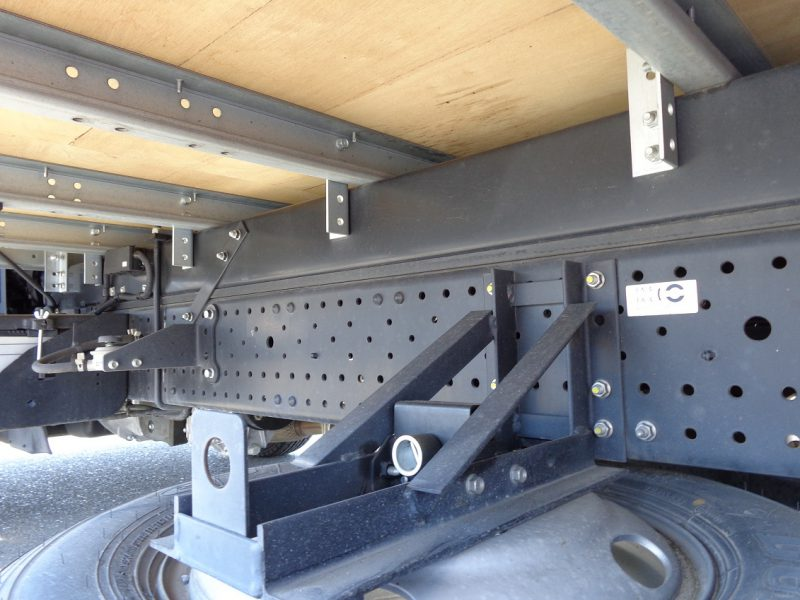 いすゞ 小型トラック ドライバンはね上げPG付(ワイド・ロング) 画像