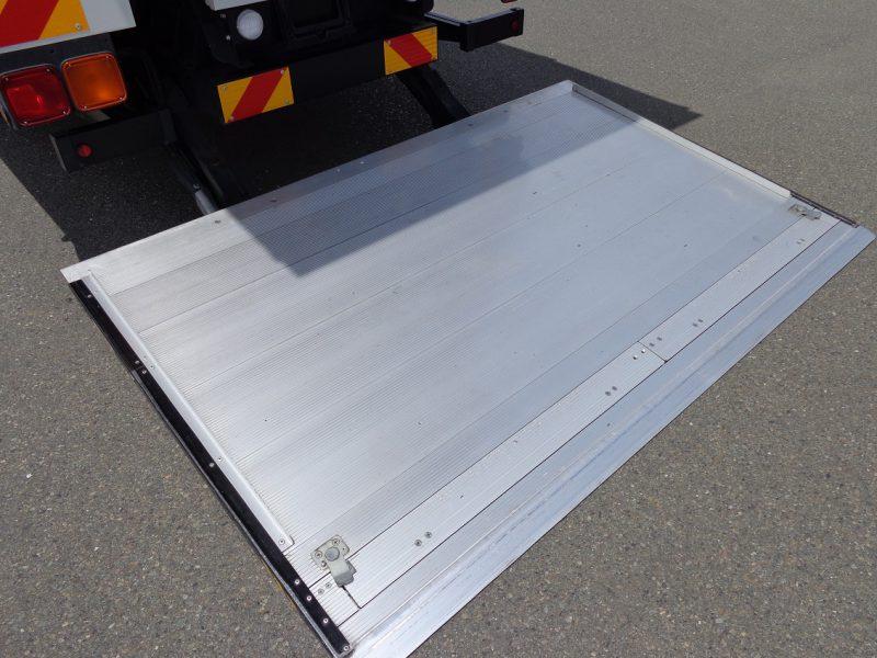 三菱 大型トラック ドライバンワイドはね上げPG付(5.3t)6.2m 画像