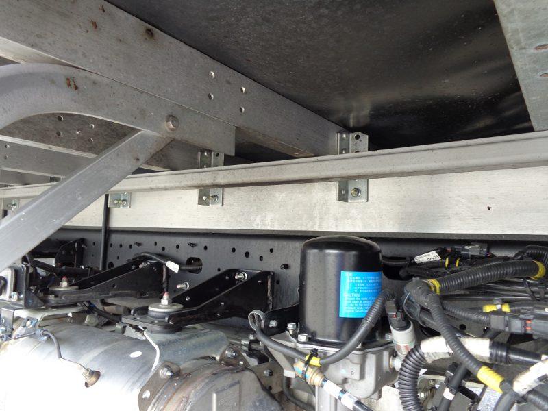 日野 中型トラック ウィングワイドハイルーフ(フルハーフ製) 画像