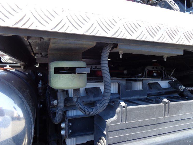 いすゞ 大型トラック トラクタエアサスハイルーフ9.5t(セミロング) 画像