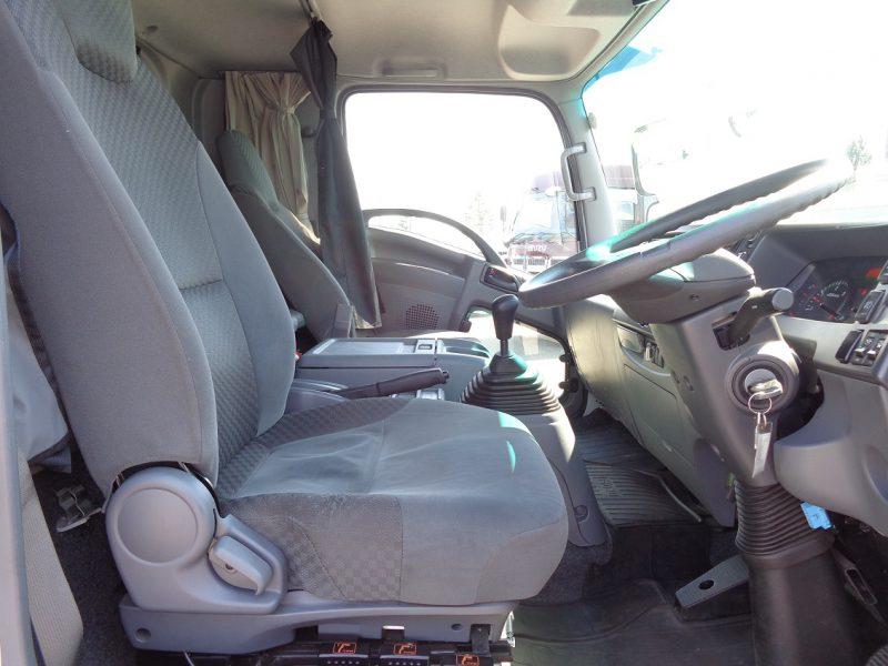 いすゞ 中型トラック ウィングワイド 画像