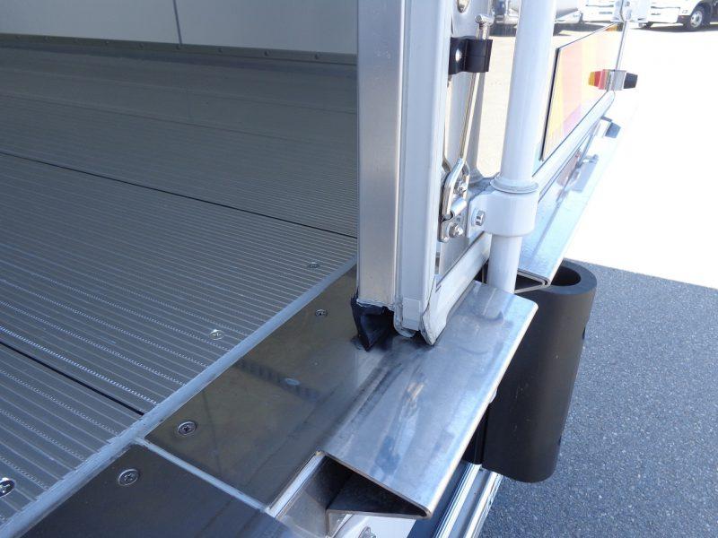 日野 大型トラック 冷凍ウィングワイドエアサス格納PG付(6.2t)6.23m 画像