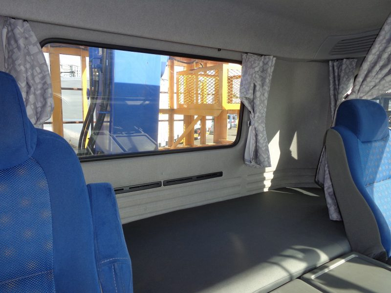 いすゞ 大型トラック 4段クレーンラジコン付 画像