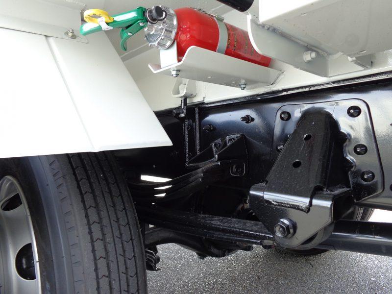 日野 中型トラック 塵芥車プレス式(8.7m3)新明和 画像