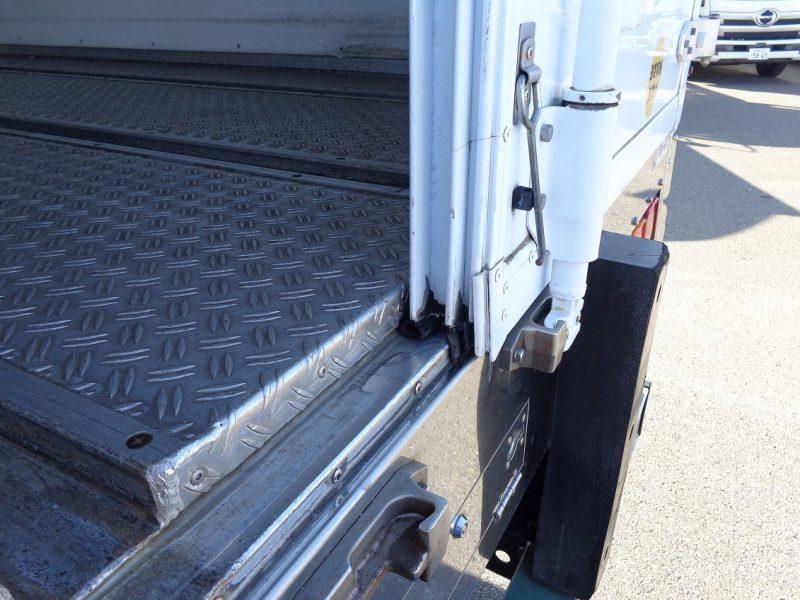 いすゞ 大型トラック 冷凍車ワイドエアサス(7.8t・ジョロダ)6.82m 画像