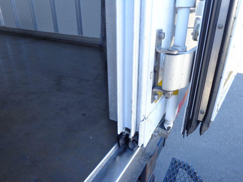 いすゞ 小型トラック 冷凍車(中温)ワイド・ロング 画像