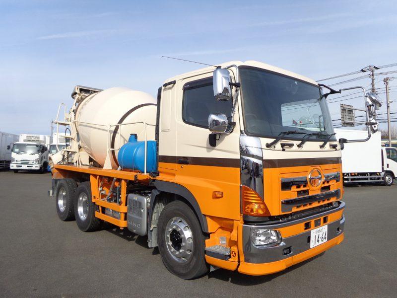 日野 大型トラック ミキサー 画像