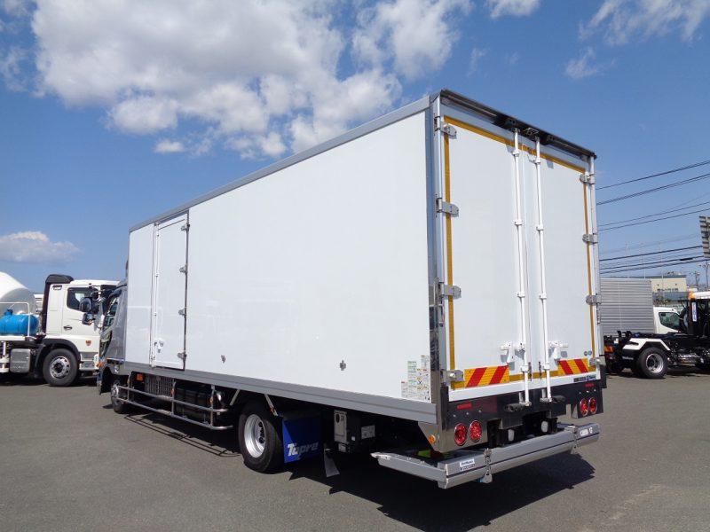 三菱 中型トラック 冷凍車ワイドエアサス格納PG付(6.8m) 画像