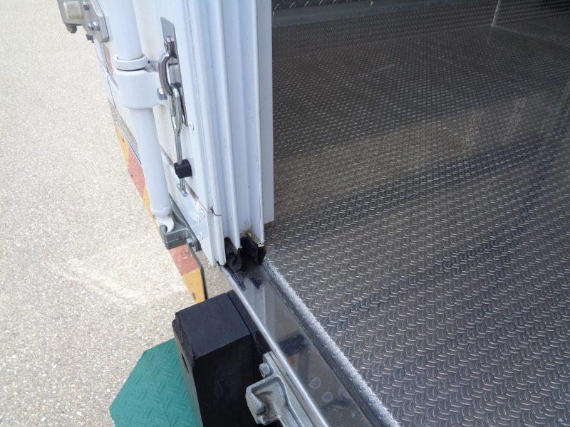 いすゞ 小型トラック 冷凍車低温(ワイド・ロング) 画像
