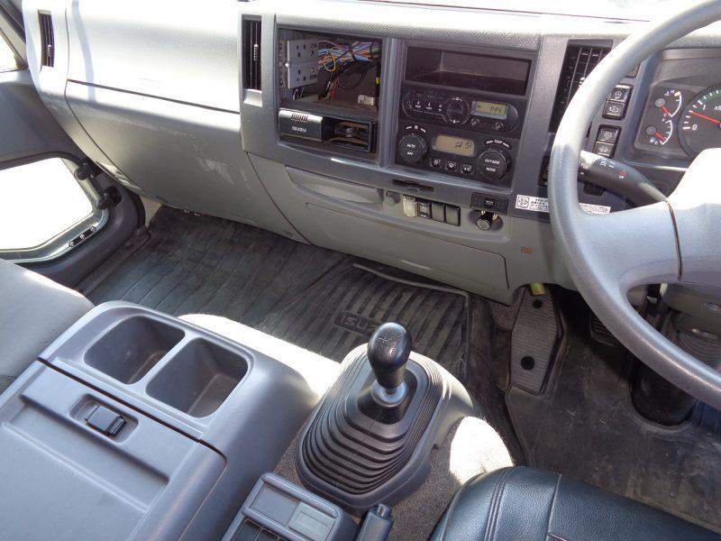 いすゞ 中型トラック ウィングエアサス 画像