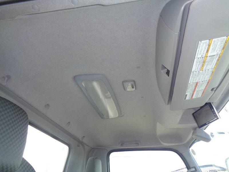 いすゞ 中型トラック 冷凍車格納PG付 画像