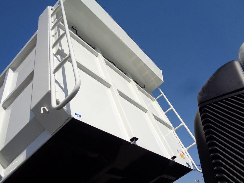 日野 中型トラック 深ダンプ(観音開き) 画像