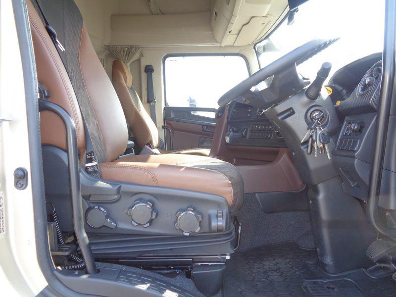日野 大型トラック ウィングエアサスハイルーフ(寒冷仕様)センタービーム 画像