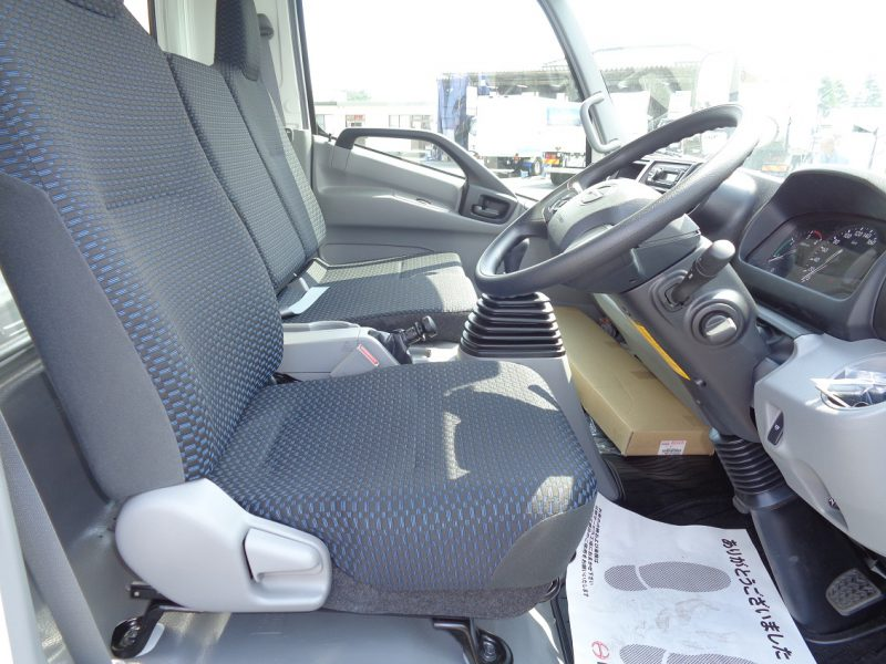 日野 小型トラック ドライバンはね上げPG付 画像