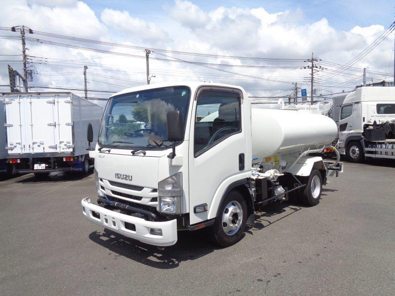 いすゞ 中型トラック 散水車4KL 画像