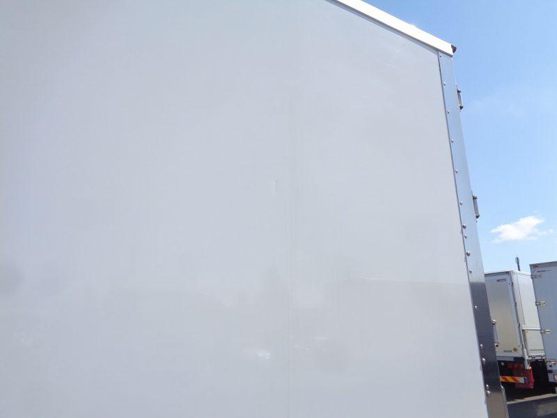 いすゞ 中型トラック 冷凍車ワイドエアサス格納PG付 画像